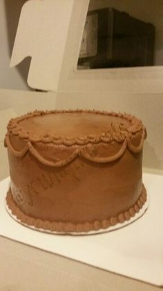 Yellow cake w/chocolate icing