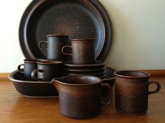 stuff that makes my heart beat faster: October 2013 Coffee Cups, Tea Cups, Heart Beating Fast, Simple Shapes, Serving Plates, Wabi Sabi, Tea Set, Finland, Dinnerware