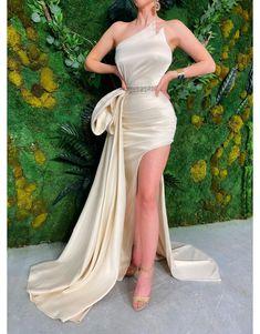 Pretty Dresses, Beautiful Dresses, Evening Dresses, Prom Dresses, Dress Prom, Wedding Dress, Maxi Outfits, Engagement Dresses, Special Occasion Dresses