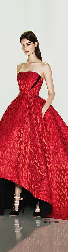 red dress, Prabal Gurung Resort 2015 ༺ß༻ Red Fashion, Couture Fashion, High Fashion, Dior, Saab, Glamour, Bcbgmaxazria Dresses, Looks Style, Beautiful Gowns
