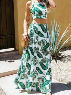 Green leaf print chic women crop cami top and high waist maxi skirt Mode Outfits, Skirt Outfits, Dress Skirt, Casual Dresses, Fashion Dresses, Tropical Outfit, Summer Outfits, Summer Dresses, Two Piece Outfit