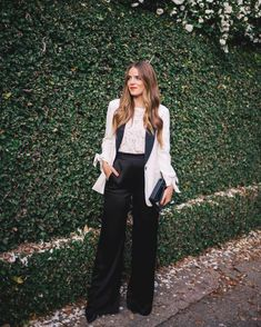 Switching up my typical party dress for a tuxedo style blazer and satin trousers for NYE over on galmeetsglam.com today with @nordstrom #nyestyle #blackandwhite #holidaystyle #nyeoutfit #nsale #nordstrom @shopstyle #sponsored
