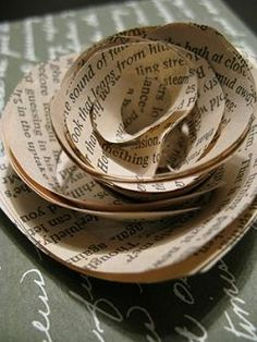 This page is full of great ideas!! From roses to gift tags Book Page Crafts has lots of projects for reusing old pages from a well loved book.