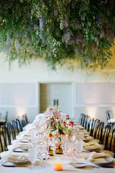 Just wait until you lay your peepers on this floral infused ceiling.