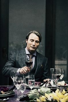 Hannibal Lecter (Mads Mikkelsen) always in 3-piece suits with glen check or plaid patterns.