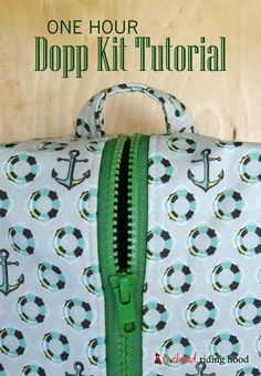 Free Dopp Kit pattern and tutorial | Sewing accessories | Zipper installation | Zippered bag | Handmade gift ideas | Gifts for men | Craftsy tutorials