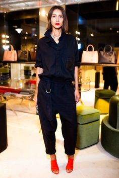 spring but black. All Black Fashion, Fashion Looks, Mode Streetwear, Looks Street Style, Madame, Street Chic, Fashion Outfits, Womens Fashion, Casual Chic