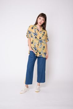 Go vintage and funky chic this summer! Style this buttoned up as a top with a pair of wide-legged pants, or as an outerwear over your beach coordinates. School Outfits, Summer Outfits, Hawiian Shirts, Casual Dresses, Casual Outfits, Pineapple Shirt, Wide Leg Pants, Shirt Outfit, Hawaiian