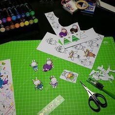 Some adorable Christmas images coloured by @zaijus_filo with their new Chameleon Pens for their little sisters advent calendar.   #adventcalendar #christmas #dezember #adventskalender #diys #diyadventcalendar #diy #chameleonpens #alcoholmarkers #stamps