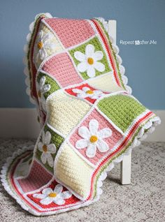 This Crochet Daisy Afghan by Repeat Crafter Me is just too cute. Tutorial…