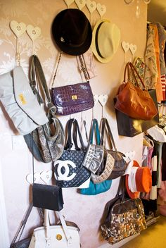 Closet space! Oh to have a closet big enough for a purse etc. wall; similar to what I did in college... Hanging Purses, Handbag Organization, Organization Skills, Creative Closets, Retro Bedrooms, Girly Things, Girly Stuff, Fun Things, Fun Stuff