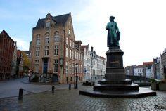 Plaza Jan van Eyck. Brujas / Jan van Eyckplein. Bruges