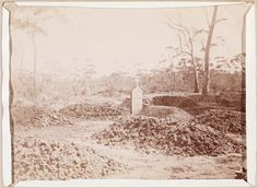 400B/26: Graves by the roadside, near Coolgardie, 1895-1896.  http://encore.slwa.wa.gov.au/iii/encore/record/C__Rb2115683__SGraves%20by%20the%20roadside__P0%2C1__Orightresult__U__X6?lang=eng&suite=def