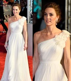 The Duchess looked positively angelic this evening at the annual BAFTAs event in a new gown and jewellery from Diana and the Queen… Duchess Kate, Duke And Duchess, Duchess Of Cambridge, Royal Princess, Princess Diana, Formal Wedding, Wedding Gowns, Lunch Boxe, Diana Williams