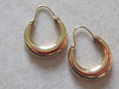 Lovely Vintage Pair of 14K Gold Hoop Earrings by NaughtNew on Etsy