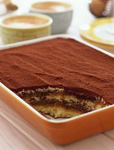 Eredeti olasz tiramisu - Hozzávalók: 3 tojás 250 g mascarpone 3 evőkanál cukor 1 rúd vanília 2 csomag babapiskóta 3 dl kávé kakaópor 1 dl amaretto Coffee Recipes, My Recipes, Cake Recipes, Cooking Recipes, Cake Bars, Hungarian Recipes, Winter Food, No Bake Desserts, Cake Cookies