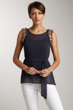 this is such a cute top!