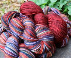 Magically Knitting custom, Dark red semisolid Harry Potter coop November 2014