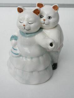 teapot dancing cats