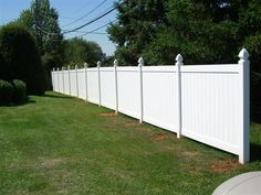 Beautiful Designs of Costco Fence for Your Garden White Vinyl Fence, Vinyl Fence Panels, Fence Slats, Vinyl Privacy Fence, Privacy Fences, Diy Fence, White Fence, Vinyl Fencing, Fence Ideas