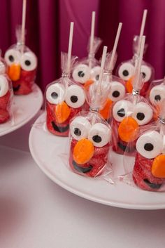 These Elmo themed birthday party ideas would be perfect for any toddler! Want to inspire sweet laughter at your child's next birthday party? Elmo is a beloved Sesame Street character, making him the Sandwich Buffet, Elmo First Birthday, Boy Birthday Parties, Birthday Ideas, Diy Elmo Birthday Party, Elmo Party Favors, Elmo Party Decorations, 16th Birthday, Party Hats