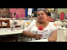 Hay muchas personas que han sabido aprovechar la ayuda que brinda el DPS con sus programas. En Dosquebradas, Risaralda, encontramos a un grupo de mujeres que se asociaron cuando hacían parte del programa Más Familias en Acción, participaron en capitalización microempresarial y les entregaron máquinas de coser para que salieran adelante.