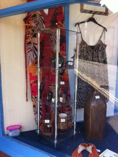 Well it seems that Summer may have finally arrived here in Barton, so if your in the area, please do call in and find that special summer item