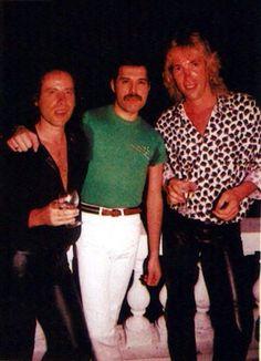 Klaus Meine, Freddie Mercury, Francis Buchholz.  (Scorpions + Queen)