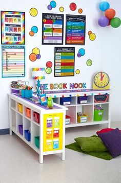 Daycare Setup, Daycare Design, Playroom Design, Playroom Ideas, Classroom Decoration Ideas, Daycare Decorations, Owl Classroom Decor, Daycare Forms, Classroom Board