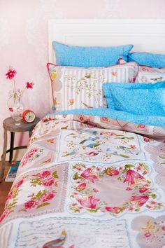 vintage handkerchief bed linens #CroscillSocial
