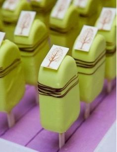 Matcha ice cream original source of pinhttp://pinterest.com/pin/530510031079697852/