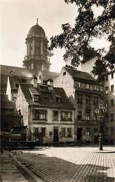 Old Pictures, Old Photos, Berlin Spree, Architecture Old, Classical Architecture, Brandenburg Gate, History Of Photography, World Cities, Abandoned Places