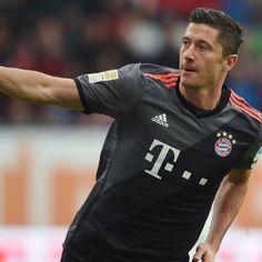 Robert Lewandowski happy to end goals drought with brace vs. Augsburg