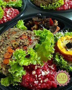 Menú de Fin de Año -Roulade de lentejas con relleno de setas y vegetales acompañado de salsa de frutos rojos al vino - Risotto Rojo con almendras y cebollín - Vegetales orientales en salsa Teriyaki gengibre - Napoleón de Zucchini bañado de salsa de la casa  FELIZ Y PRÓSPERO AÑO PARA TODOS!   Alimentos preparados con amor   #recetasnadi #verde #green #gogreen #veggie #vegan #saludable #healthy #fitness #artesanal #gourmet #natural #nadiecosaludable #nadisajack