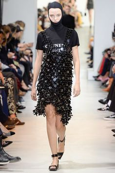 Paco Rabanne Spring 2017 Ready-to-Wear Fashion Show