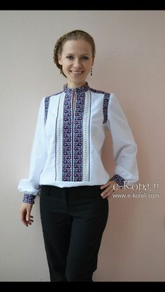 white folk peasant blouse with embroidery Ethnic Fashion, Look Fashion, Fashion Design, Embroidery Fashion, Embroidery Dress, Traditional Fashion, Traditional Dresses, Ukrainian Dress, Ethno Style