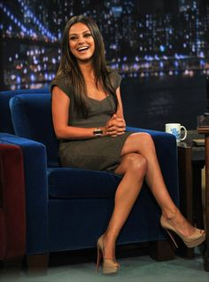 "Mila Kunis Photos - Mila Kunis visits ""Late Night With Jimmy Fallon"" at Rockefeller Center on July 2011 in New York City. - Mila Kunis Visits ""Late Night With Jimmy Fallon"" - July 2011 Mila Kunis Cheveux, Mila Kunis Haar, Mila Kunis Feet, Mila Kunis Pics, Mila Kunis Style, Mila Kunis Justin Timberlake, Mila Kunis Boyfriend, Girl Crushes, Gq"