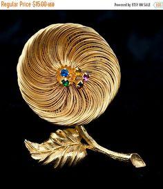 ON SALE Vintage Goldtone Wire Floral Brooch by DianaKirkpatrickArt