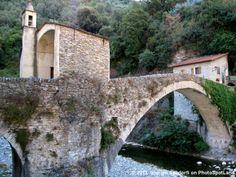 Badalucco (IM), Liguria, Italy. Photo by Giorgio Sandorfi at PhotoSpotLand.com.  Discover more on http://www.photospotland.com/spots/161
