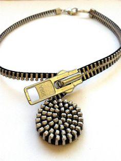 Nuevo collar de cremallera espiral audaz por ArtologieDesigns, $45.00
