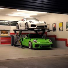 Autostacker's space-saving design means you can stack one vehicle above another in the same parking space. Garage Car Lift, Dream Garage, Car Audio Shops, Underground Garage, Ultimate Garage, Garage Addition, Garage Interior, Lifted Cars, Car Storage