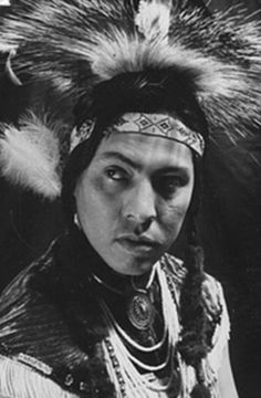 Hundreds attend funeral of Joe Medicine Crow, the last war chief of his people | Daily Mail Online