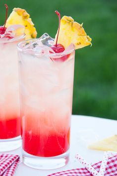 Cherry Pineapple Lemonade - 17 Lemonade Recipes Beyonce Would Absolutely Approve Of Refreshing Drinks, Yummy Drinks, Healthy Drinks, Yummy Food, Fruit Drinks, Non Alcoholic Drinks, Smoothie Drinks, Smoothies, Beverages