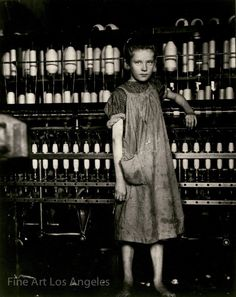 """Spinner in North Pownal Cotton Mill. Girls in mill say she is ten years. She admitted to me she was twelve; that she started during school vacation and now would """"stay"""". Location: Vermont by Lewis Hine, The Met's Photography. Winterthur, Vintage Photographs, Vintage Photos, Antique Photos, Vintage Postcards, Lewis Wickes Hine, Wisconsin, Fotografia Social, Cotton Mill"""