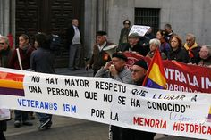 """6 de diciembre de 2011: """"No hay mayor respeto que llorar a una persona que no se ha conocido"""" (Veteranos 15M por la Memoria Histórica)"""
