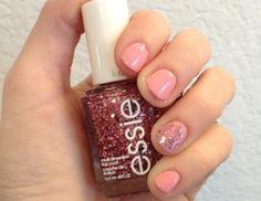 beauty-2012-05-0511-01-spring-nails-pink-glitter_li.jpg (438×338)