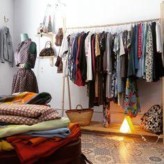 Grey Gardens es una tienda apasionada por moda vintage situada en Calle del Organo 3, justo al lado de la plaza de la Magdalena