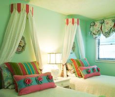 girls twin beds with canopy