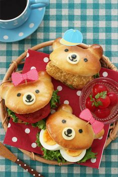 Cute Bear Burgers~ Would look really cute to bring to a picnic~