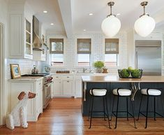 Incredible Kitchen Décor for Various Large: Embellishments In A Modern Bistro Kitchen ~ Ceridianindex.com